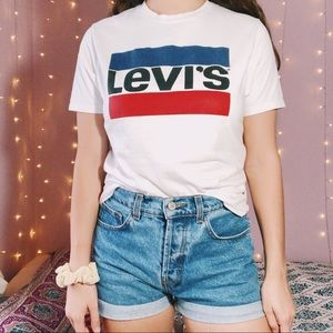 Levi's | White Graphic T-Shirt